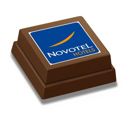 Heerlijke logo bonbon als weggevertje van Novotel Hotels
