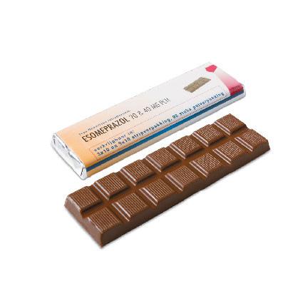 Gepersonaliseerde chocoladereep met bedrukte wikkel in bedrijfsontwerp als give-away
