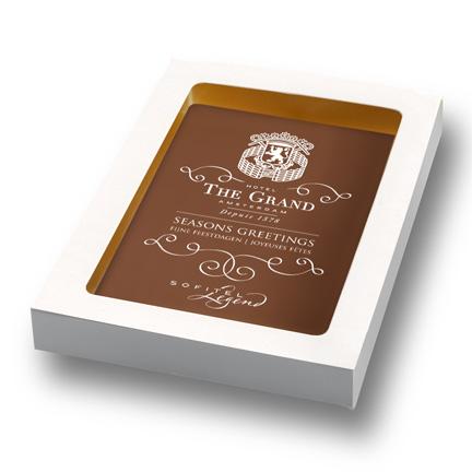 Bedrukte chocoladeplak met logo en bedrijfsontwerp als relatiegeschenk