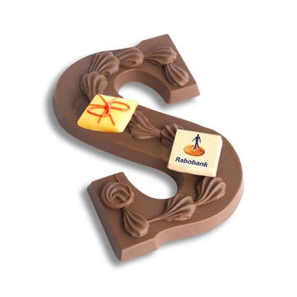 Chocoladeletter met logo Rabobank als weggevertje voor de Feestdagen