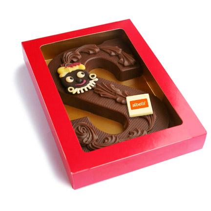 Chocoladeletter met bedrijfslogo in luxe geschenkdoosje als relatiegeschenk