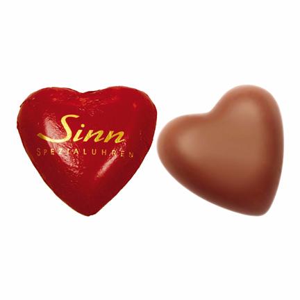 Logohartjes van chocolade als Valentijngeschenk voor klanten