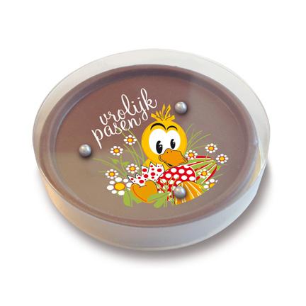 Vrolijk Pasen wensen in de vorm van een chocolade geduldspelletje