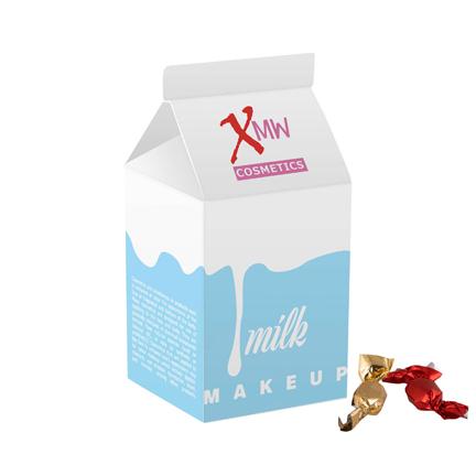 Bedrukt melkpakje met snoepjes als promotiemiddel