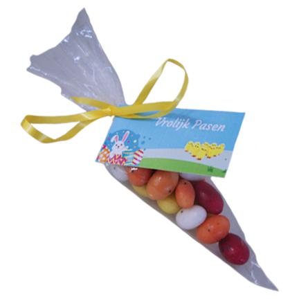 Snoepzakje paaseitjes met logokaartje voor Pasen