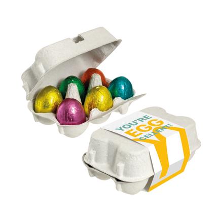 Gepersonaliseerd eierdoosje met paaseitjes